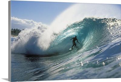 Hawaii, Oahu, North Shore, Shadow Of Surfer In Pipeline Wave